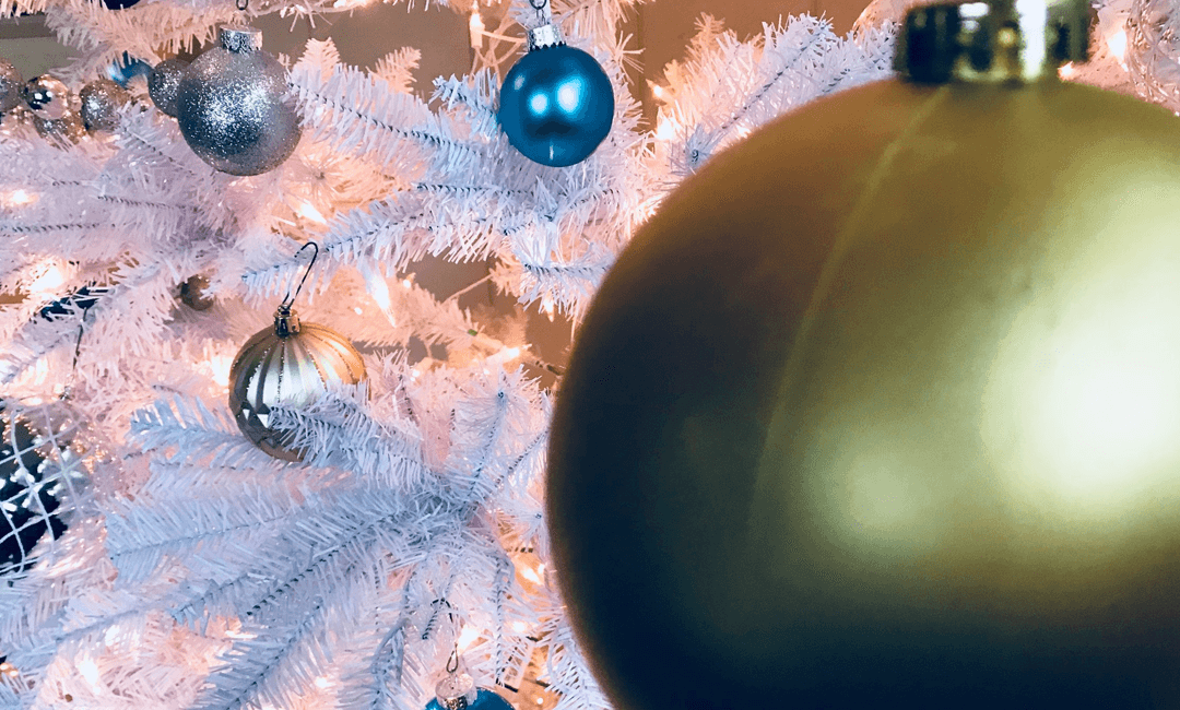 5 Reasons You Might Be Feeling Blue This Christmas (And What To Do About It)
